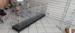 2 balcões de vidro