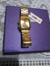 Relógio analógico e digital dourado skmei