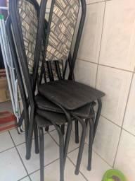 4 cadeiras quebradas, só soldar que presta