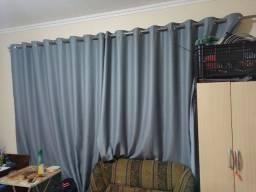 Cortinas black out 2,6m x 2,3m - dois lados desse tamanho - com ilhós e sem varão
