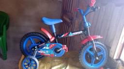 Vendo essa bicicleta infantil masculina seminova,aro 12