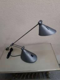 Luminaria antiga de mesa