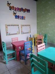 Mesinha infantil com 4 cadeiras