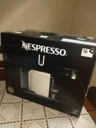 Cafeteira Nespresso Seminova na Caixa