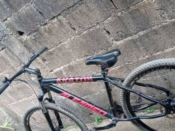 Vendo Bicicleta em ótimo estado de conservação.