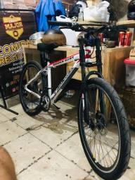 Bike aro 26 com freio a disco