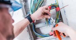Eletricista pedido junto a Light Relógio Troca de fiação elétrica Aumento de Carga