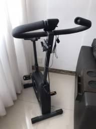 Bicicleta Ergométrica Vertical Dream Fitness EX550 - Chumbo/Preta