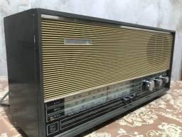 Antiguidade: Rádio Antigo de mesa Phillips 3 faixas de ondas (Funcionando perfeitamente)