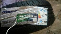 Par de pneus novos R15 ( aro 15 )
