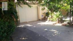 Casa com 1 dormitório para alugar, 40 m² por R$ 750/mês