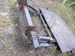Plataforma de elevacao para bau de carga