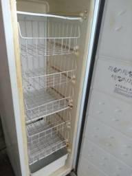 Vendo um Freezer Consul 180L vertical usado