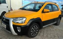 Toyota etios cross 2014 - 2014