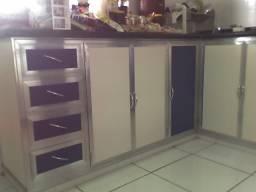 Armário com gavetas