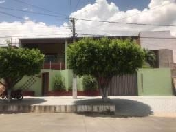 Aluga-se Excelente Casa Duplex 5/4 com Piscina, Próximo ao Centro, Mossoró-RN