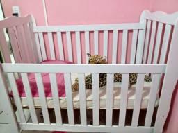 Berço americano e bebê conforto