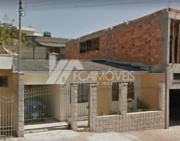 Casa à venda com 3 dormitórios em Centro, Alfenas cod:2d66f785841