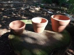 Trio de vasos ceramicos