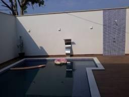 Casa à venda com 4 dormitórios no Conjunto Xavier Maia