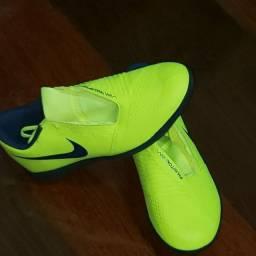Chuteira Nike phanton venon amarela