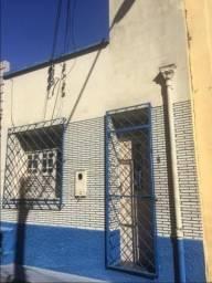 Ótima Casa- 02 quartos- Av. Joaquim Nabuco-Centro