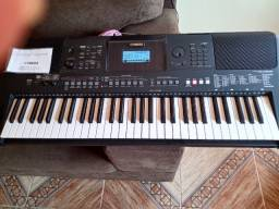 Vende-se teclado Psre463