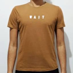 Camiseta Nude Estampada