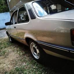 Chevette L 93 1.6 gasolina filé