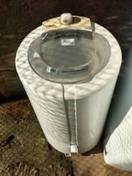 Máquina de lavar e centrifugadora