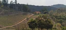 Fazenda Grande Com Paisagem Maravilhosa e Nascente no Alto da Montanha em Belo Vale