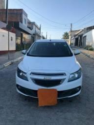 Vendo Chevrolet Onix 2015