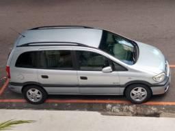Vendo Zafira, ano 2007, modelo confort, 07 lugares, motor 2.0.