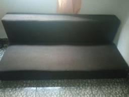Vendo sofá bem conservado coloca um atrás do outro