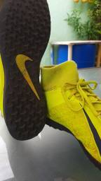 Chuteira Society Nike Phantom Vision Club DF IC - Verde Limão