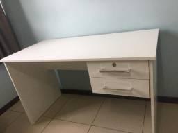 Vendo Mesa pra escritório em Mdf Nova