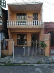 Casa na Pedreira de 3Q, com vaga de garagem e precisando de reforma
