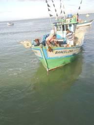 Troco um barco de pesca de 12 metros por um menor e uma volta a combinar