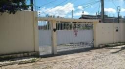 Casa com 3 dormitórios para alugar, 52 m² por R$ 1.100,00/mês - Urucunema - Eusébio/CE