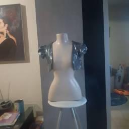 Jaqueta mini prateada