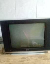 Tv , c botão de ligar quebrado