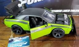 Miniatura Velozes e Furiosos Dodge Challenger SRT8 Jada 1/24