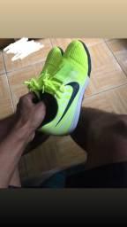 Chuteira Futsal Nike Phantom Venom