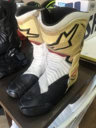 Título do anúncio: Botas de moto  pra vender logo