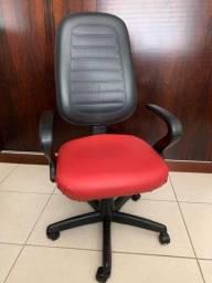 Vendo cadeira de escritório giratória