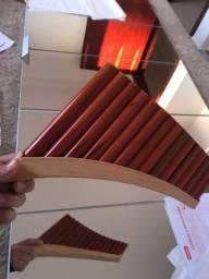 Flauta pan e apito
