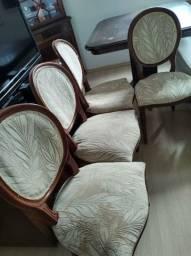 4 cadeiras medalhão.