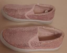 Tênis/ Sapatilha cor de rosa brilho número 23 Primark