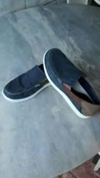 Sapato Crocs Santa Cruz Mens Azul/Marrom.<br><br>