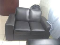 Sofá de Corino em perfeitas condições de uso